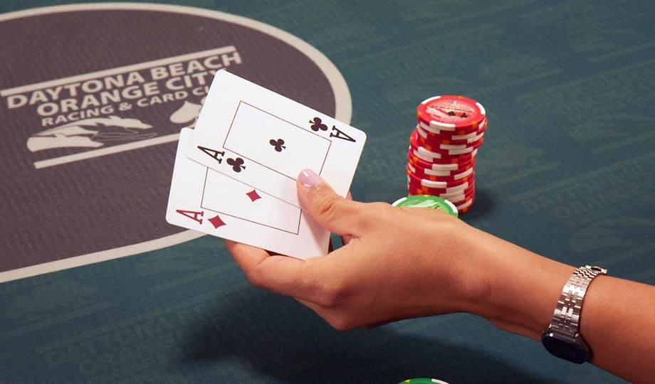 online domino poker
